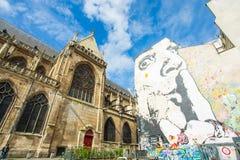 Le mur rempli de graffiti à Paris Photos libres de droits