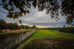 Le mura di Lucca. City walls of Lucca, Italy Royalty Free Stock Image
