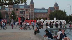 Le Musée National néerlandais à Amsterdam - à AMSTERDAM - LES PAYS-BAS - 19 juillet 2017 banque de vidéos