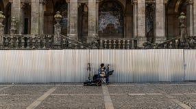 Le musicien de rue à Porto, Portugal images stock