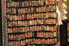 Le Néerlandais loge des souvenirs d'aimants Images stock
