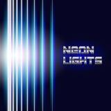 Le néon lumineux raye le fond Photo libre de droits