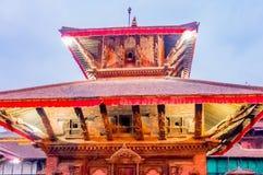 Le Népal coloré : les temples, les places et les pagodas de Katmandou ont construit dans les traditions commençant comme stupa As Photographie stock libre de droits