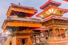 Le Népal coloré : les temples, les places et les pagodas de Katmandou ont construit dans les traditions commençant comme stupa As Photos libres de droits