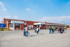 Le Népal - 22 décembre 2017 : : Aéroport de Katmandou Photos stock