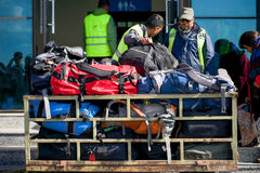 Le Népal - 3 janvier 2017 : : bacpack et bagage dans le chariot chez Pokhara Photos libres de droits