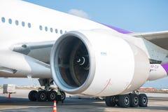 Le Népal - 4 janvier 2017 : : plan de Thai Airways à l'air de Katmandou Photos stock