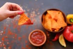 Le nacho de tortilla ébrèche la sauce naturelle à chips de recette photo stock