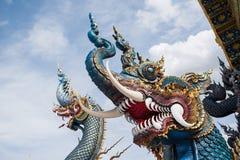 Le Naga au temple de Wat Rong Suea Ten Photo stock