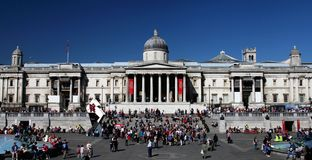 Le National Gallery dans le grand dos de Trafalgar de Londres Photos libres de droits