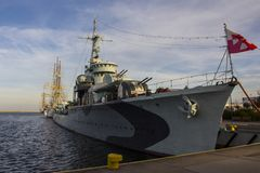 Le navire de guerre au port de Gdynia poland photos libres de droits