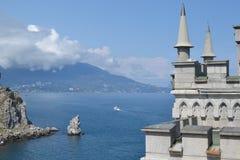 Le nid de l'hirondelle de château en Crimée Photos libres de droits