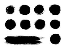 Le noir des formes de course de pinceau d'isolement sur un fond blanc Images stock