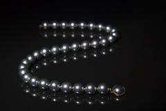Le noir perle le collier Image libre de droits