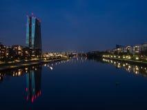 Le nouveau bâtiment de la Banque Centrale Européenne siège en franc Images stock