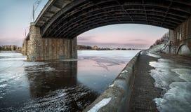 Le nouveau pont au-dessus du Volga Photographie stock libre de droits