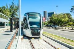 Le nouveau tram appelle le ` du ` VLT devant l'aéroport de Santos Dumont, Rio de Janeiro Photo libre de droits