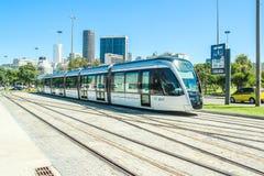 Le nouveau tram appelle le ` du ` VLT devant l'aéroport de Santos Dumont, Rio de Janeiro Photos libres de droits