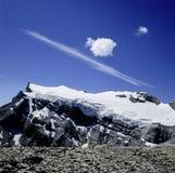 Le nuage de la Suisse Vaud Les Diablerets de paysage de montagne forme images libres de droits