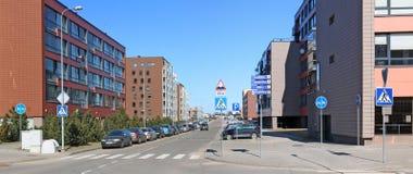 Le nuove case moderne con gli appartamenti di piccole dimensioni di basso costo per Immagine Stock Libera da Diritti