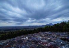 Le nuvole della montagna della Tabella Immagini Stock