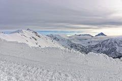 Le nuvole e la nebbia in Kasprowy Wierch in Zakopane in Tatra monta dentro Fotografia Stock