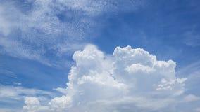 Le nuvole ed il cielo fotografia stock libera da diritti