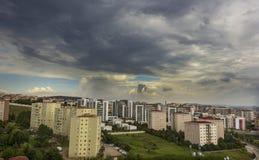 Le nuvole prova le luci del sole del filtrante immagine stock libera da diritti