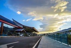Le nuvole sopra l'aeroporto Fotografia Stock Libera da Diritti