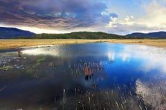 Le nuvole temporalesche basse fotografia stock libera da diritti