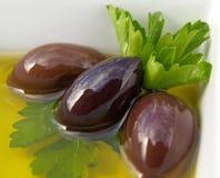 Le olive in su si chiudono Immagini Stock Libere da Diritti