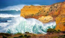 Le onde arrabbiate Fotografia Stock