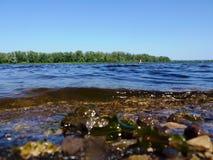 Le onde sul fiume Fotografia Stock