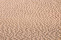 Le ondulazioni sulle dune di sabbia immagini stock libere da diritti