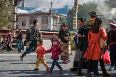 Le pèlerinage de temple de Jokhang Image libre de droits