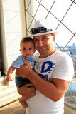 Le père avec le bébé image libre de droits