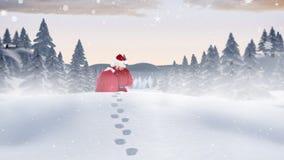 Le père noël errant par le snowscape combiné avec la neige en baisse banque de vidéos