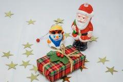Le père noël et bonhomme de neige Photos libres de droits