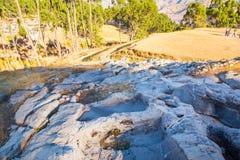 Le Pérou, Qenko, situé au parc archéologique de Saqsaywaman. Amérique du Sud. ce site archéologique - ruines d'Inca images stock