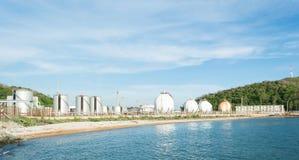 Le pétrole, LPG, sphère de stockage de gaz de NGV échoue Photo libre de droits