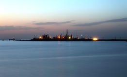 Le pétrole refoulent le soleil de configuration Photo libre de droits