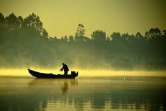 Le pêcheur images stock