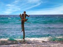 Le pêcheur local pêche dans le style unique photos stock