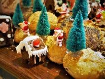 Le pain a fait Noël Decolation dans le restaurant images libres de droits