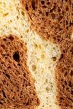 Le pain frais de feuilleté a effectué le seigle et le blé d'ââfrom Image libre de droits