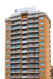 Le palais avec des balcons et la publicité de ` de Generali de ` se connectent le toit Photos stock
