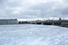 Le palais d'hiver dans le St Petersbourg Photo libre de droits