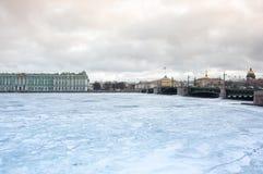 Le palais d'hiver dans le St Petersbourg Photographie stock libre de droits