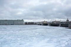Le palais d'hiver dans le St Petersbourg Image stock