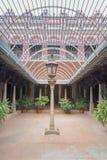 Le palais de Chidambara, cour avec le travail de barrière de toit montre la façade Photo stock